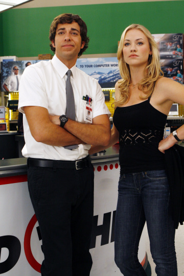 chuck_nbc_tv_show_image_zachary_levi_and_yvonne_strahovski