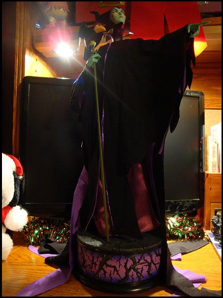 holidayguide2010-30